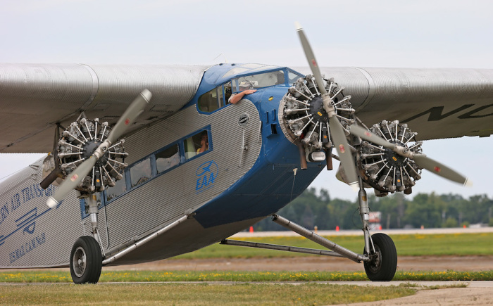 Ford Trimotor.