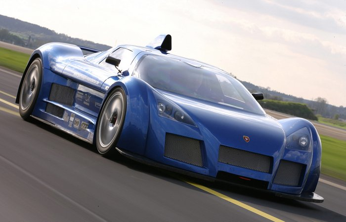 Автомобиль Gumpert Apollo.