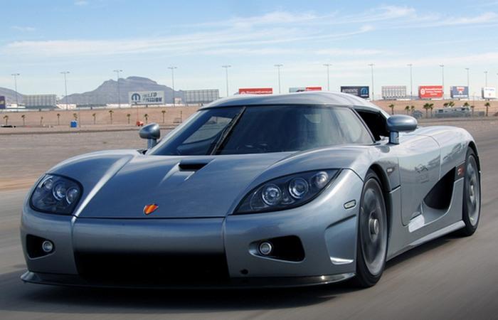 Автомобиль Koenigsegg CCX.