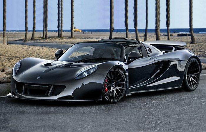 Автомобиль Hennessey Venom GT.