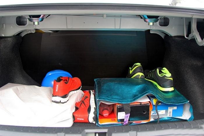 Багажник - самый простой способ проникнуть в машину.
