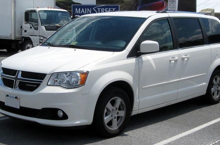 Dodge Grand Caravan - неудобный и прожорливый авто.