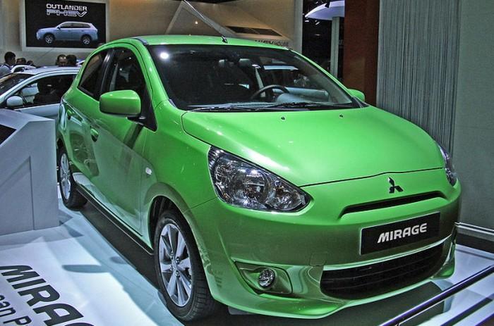 Mitsubishi Mirage: плохая управляемость и неудобный салон.