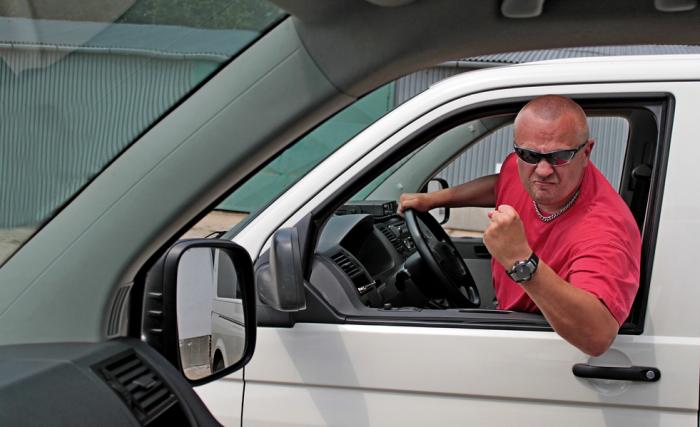 Водительские привычки, которые угробят автомобиль.