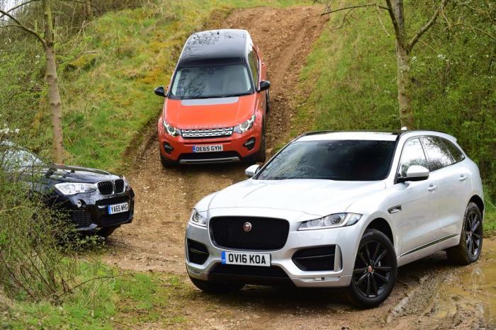 Как-то обидно за Jaguar Land Rover F-Pace.