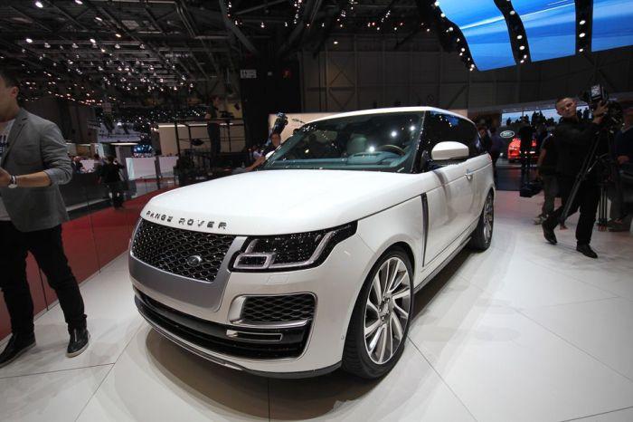 Стильный и мощный Range Rover SV Coupe.