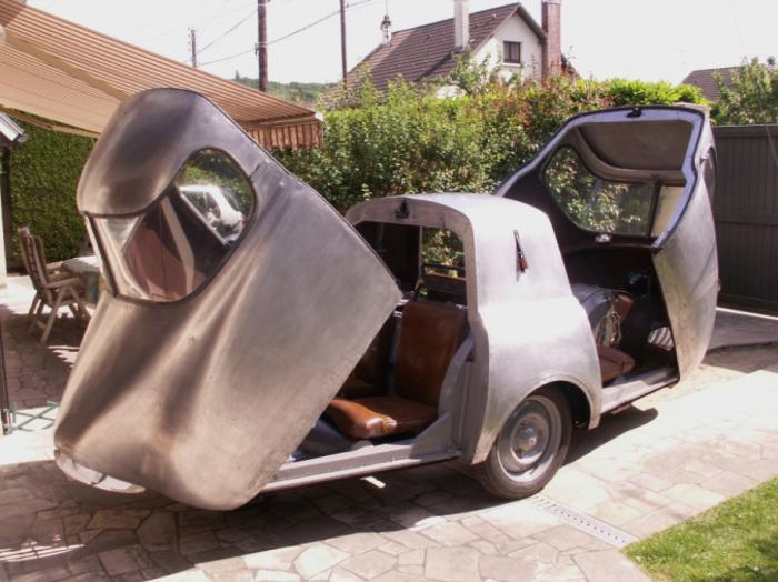 Пожалуй, самая необычная конструкция машины.