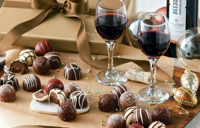 Bad habit: красное вино и шоколад.