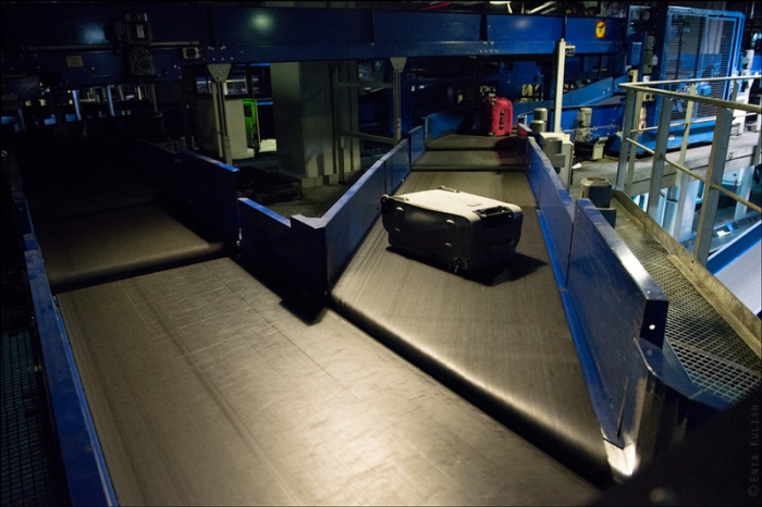 Часть багажа обрабатывается в ручном режиме.