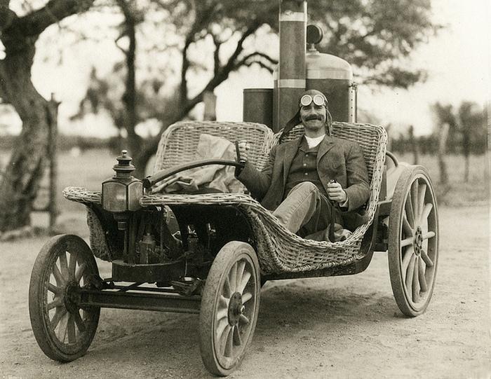 Тонкое очарование автопрома 100-летней давности.