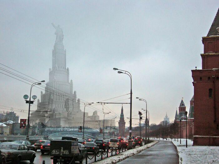 На месте храма хотели построить главное правительственное здание Советского Союза.  Фото: kozhev.livejournal.com.