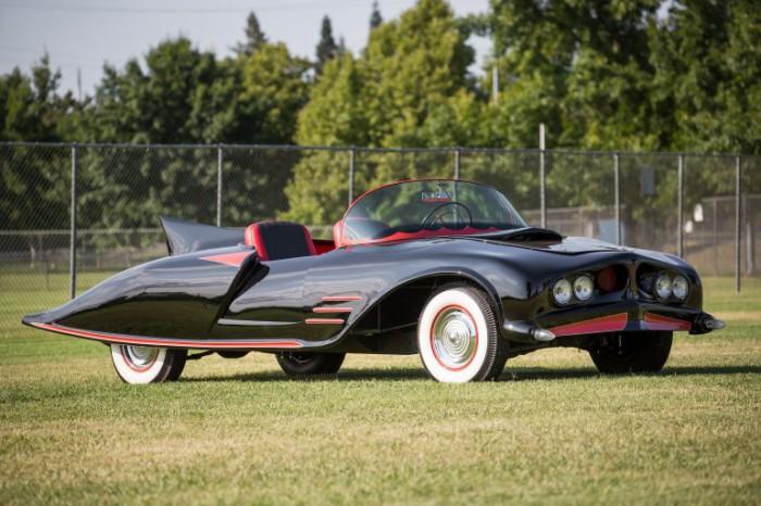 Автомобиль Бэтмена.
