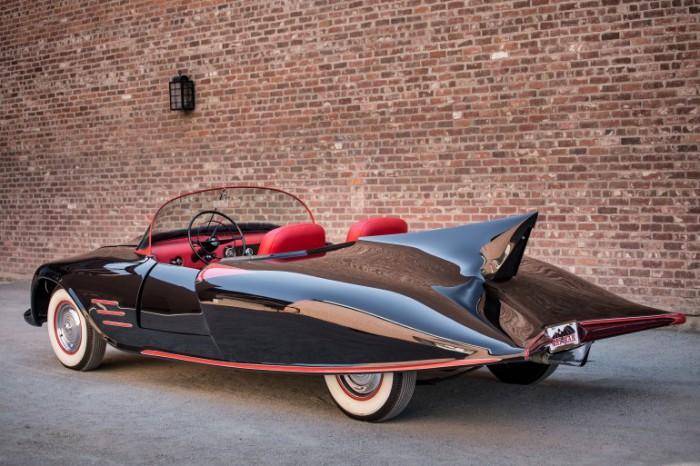 Автмобиль для супергероя.