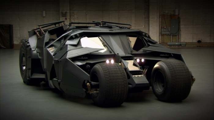 Новый автомобиль героя – Tumbler.