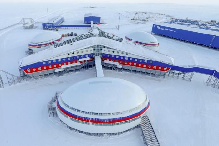 Арктический трилистник - именно эту базу показали по CNN. certa.by.