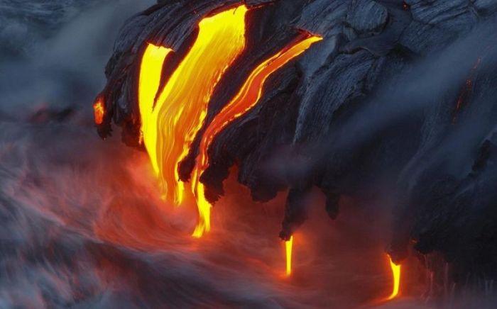 Мауна-Лоа один из самых больших и грозных.