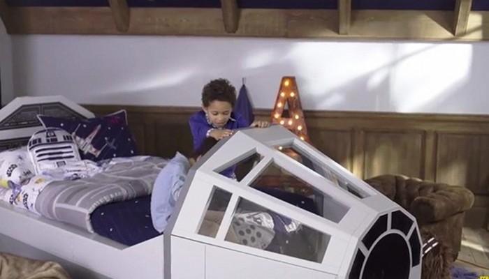 Кровать в кабине Тысячелетнего сокола.