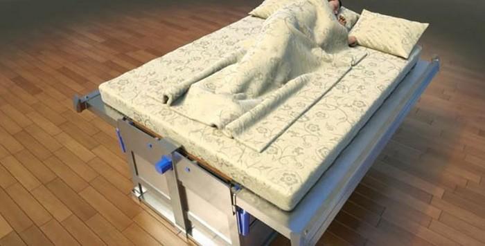 Кровать от Дахира Семенова.