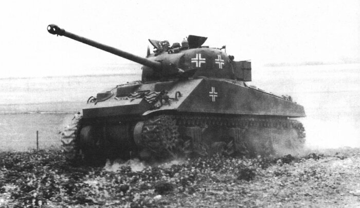 У вермахта были трофейные танки Союзников. |Фото: yaplakal.com.