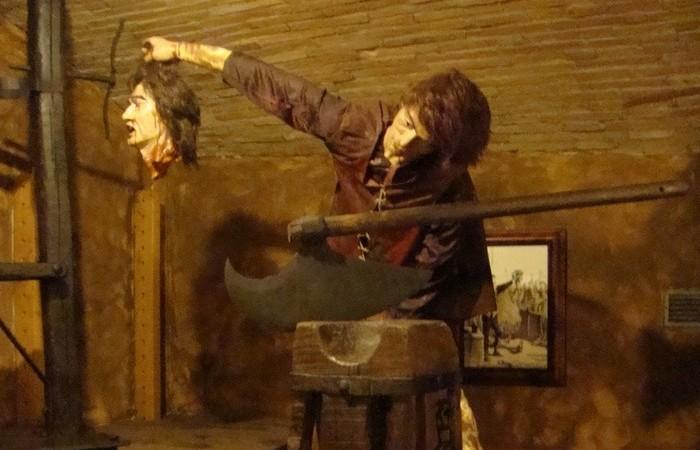 Средневековый Музей пыток в Сан-Джиминьяно.