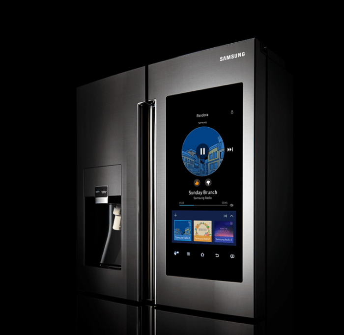 Samsung Family Hub Refrigerator - samy umny xolodilnik.