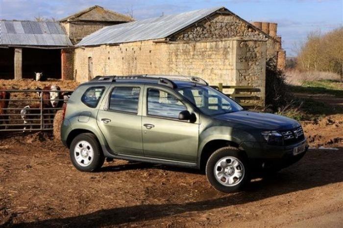 Простота лучше всего, а значит берем Dacia Duster.