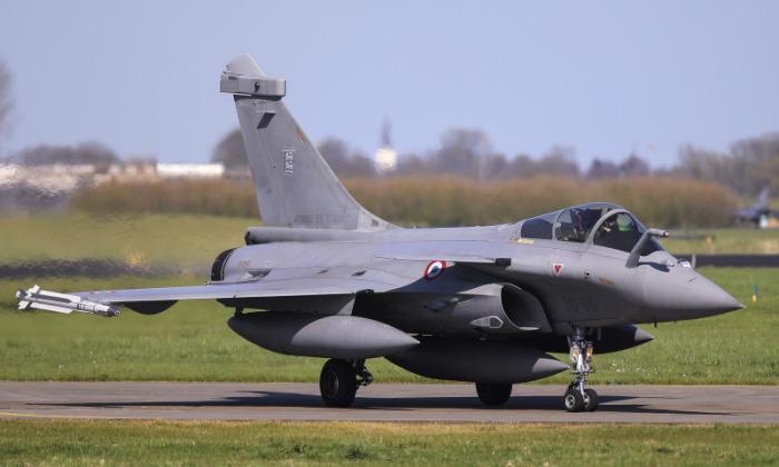 Свой самолет французы таки выстрадали. |Фото: besthqwallpapers.com.