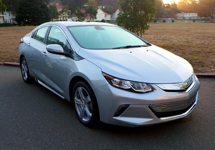 Автомобиль Chevrolet Volt Premier.
