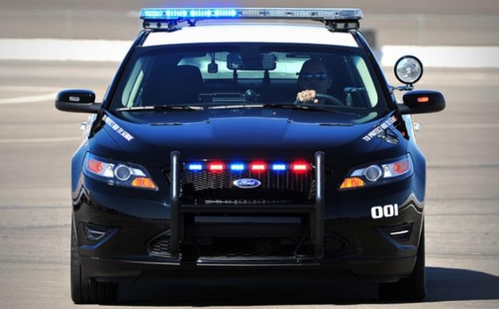 Брутальный и мощный Ford Interceptor Sedan на страже закона.