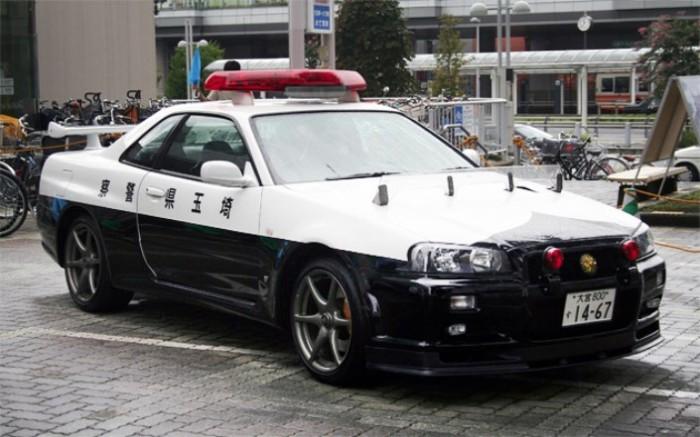 В некоторых случаях берут Nissan Skyline GT-R R34.