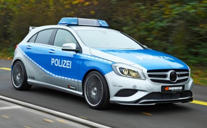Но большую часть работы делают не Brabus B25 Polizei.