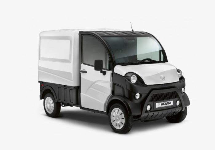 Можно водить и грузовик Aixam D-Truck.