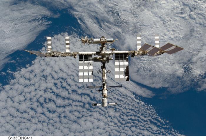 Международная космическая станция тоже корабль.