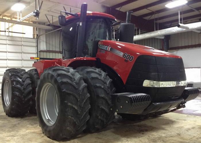 Трактор Case Steiger-600.