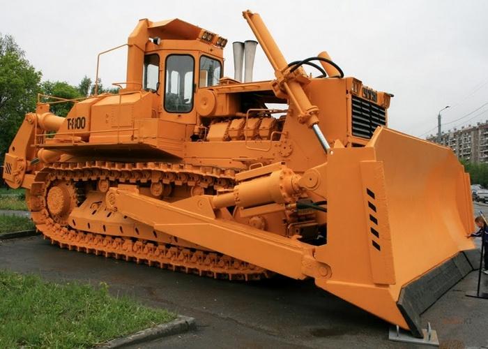 Трактор ЧТЗ-Т800.