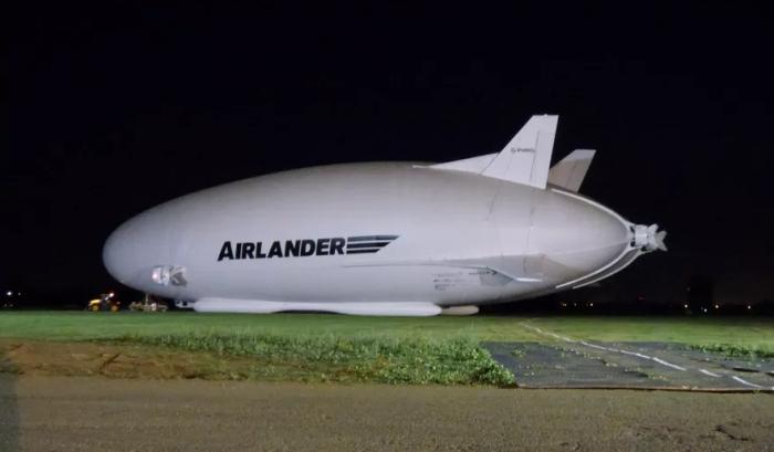 Самый большой самолет.