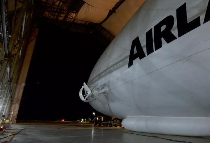 Самый большой в мире самолёт-гибрид.
