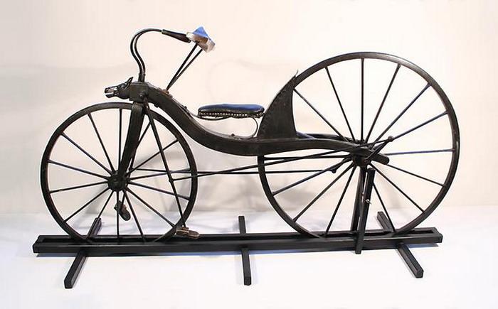 Велосипед, в котором педали совершали поступательные движения.