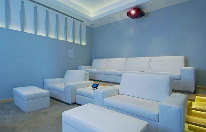 «Xanadu 2,0» - это кинотеатр площадью 140 квадратных метров.
