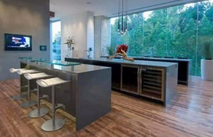 «Xanadu 2,0» - это шесть кухонь.