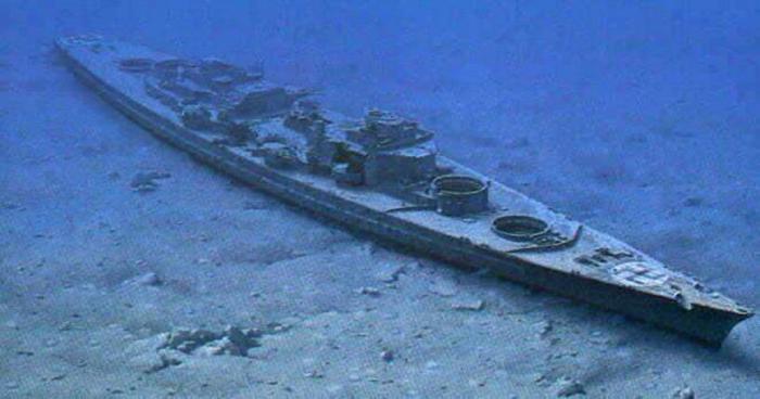 Бисмарк на морском дне.