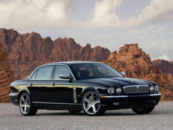Чем дороже автомобиль, тем больше лихачей за рулем. |Фото: wallpaperup.com.