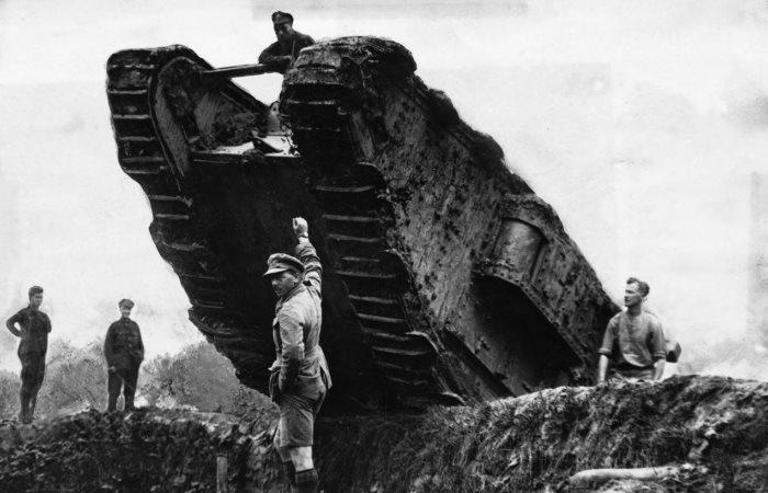 Первое танковое сражение в истории человечества.