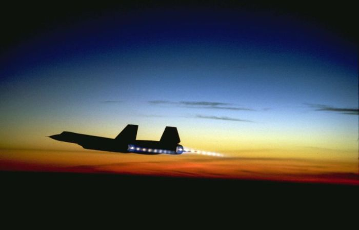 SR-71 «Blackbird» - рекордная скорость даже на одном двигателе.