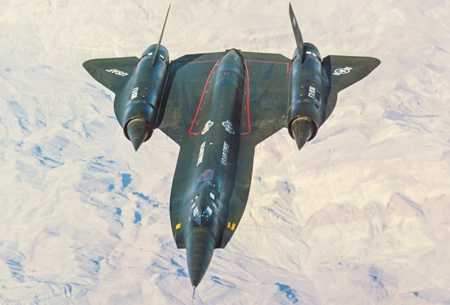 SR-71 «Blackbird» - самолет-разведчик.