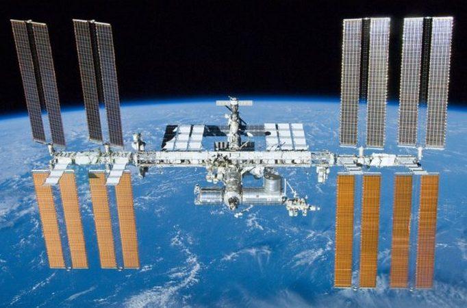 МКС 23 мая 2010 года, вид из отлетающего космического корабля «Атлантис».