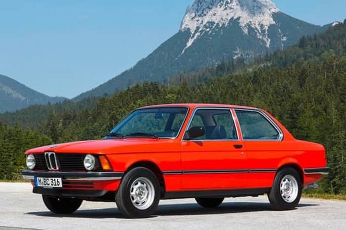 Автомобиль BMW E21 3 Series.