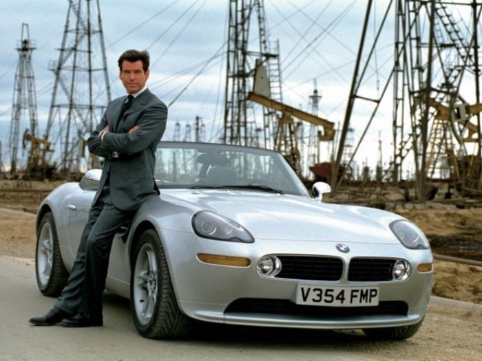 Баварец BMW Z8 побыл автомобилем Бонда.