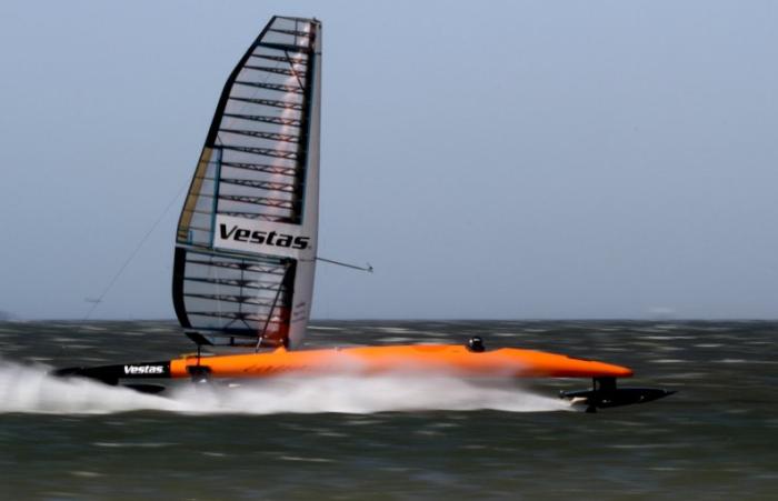 Парусник Vestas Sailrocket 2.