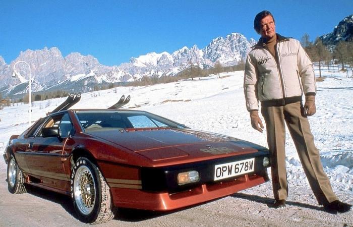 Самые крутые автомобили Джеймса Бонда.